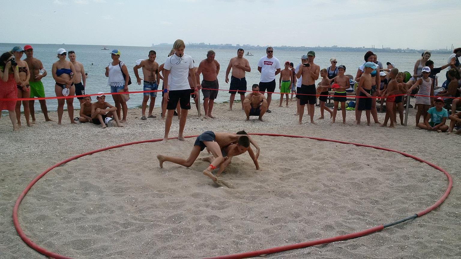 Открытый кубок СК «Мангуст» по пляжной борьбе прошел в Одессе
