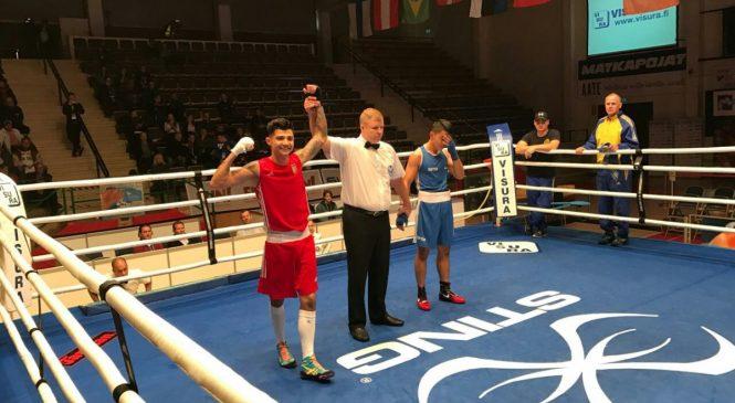 Международный турнир по боксу: одессит Майк Стиценко выиграл нокаутом и вышел в финал