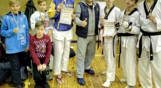 Чемпионат ФСО «Украина» по тхэквондо: одесситы завоевали 3 золотых и 6 серебряных наград. А также итоги 2018