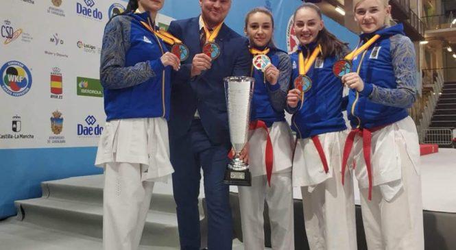 Одесситки Анита Серегина и Анжелика Терлюга завоевали золото чемпионата Европы по каратэ