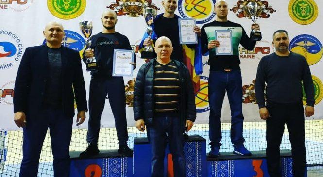 13 медалей и 2 общекомандное место завоевали одесситы на чемпионате Украины по боевому самбо среди юношей