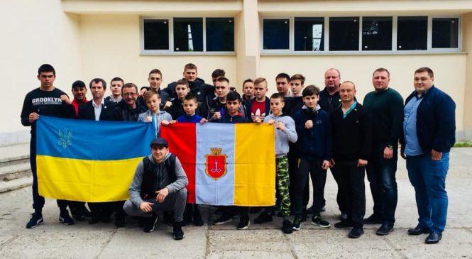 Одесситы завоевали 9 наград и 3 общекомандное место на чемпионате Украины по боксу среди школьников 2005-2006 г.р.