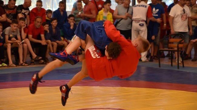 Чемпионат Украины по борьбе самбо среди мальчиков и девочек среднего возраста прошел в Одесской области