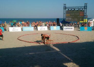 Чемпионат мира по пляжной борьбе среди кадетов и юниоров: сборная Украины завоевала ПЕРВЫЕ места. ВИДЕО!